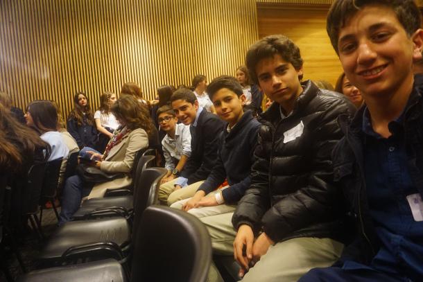 Mackayinos en concurso de Poesía en Inglés ESU