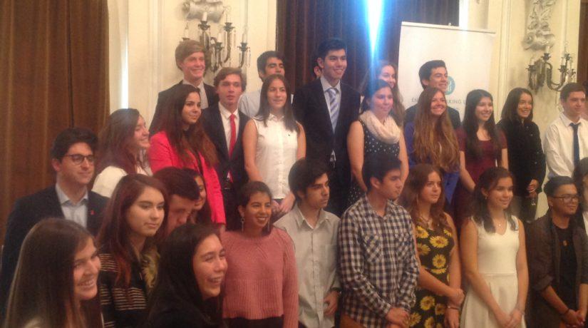 Destacada participación de Mackayinos en ESU Public Speaking